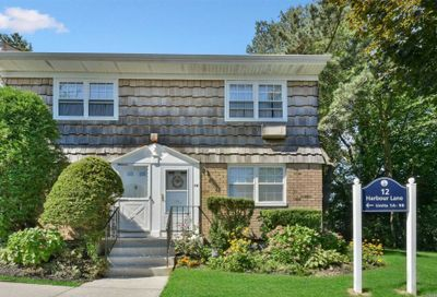 12 Harbour Ln Oyster Bay NY 11771