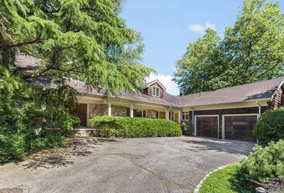 16 Channel Dr Kings Point NY 11024