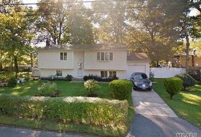 20 Johnson Ave Wheatley Heights NY 11798