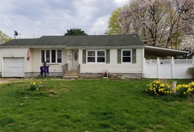 46 Fairdale Dr Brentwood NY 11717