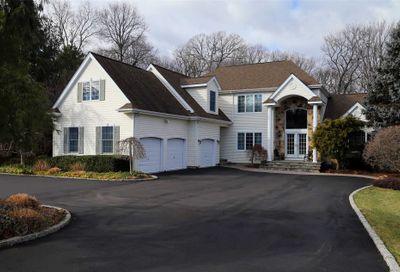 47 Hunting Hollow Ct Dix Hills NY 11746