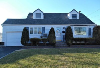 49 Dorothy Dr East Meadow NY 11554