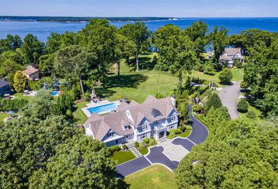 300 Old Orchard Ct Northport NY 11768