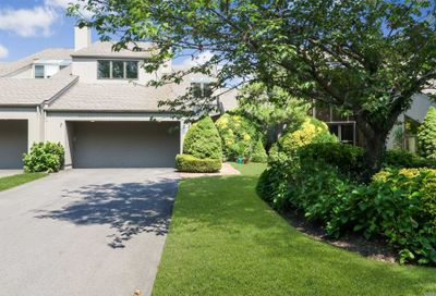 5 Harbour Point Dr Northport NY 11768