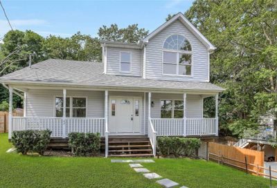 42 Floral Rd Rocky Point NY 11778