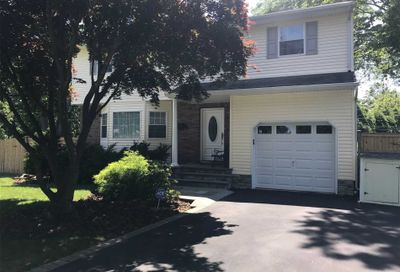 6 Princess Ct Greenlawn NY 11740