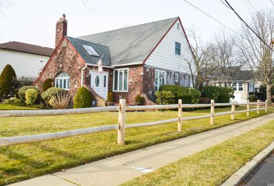 216 Lakeview Ave Malverne NY 11565