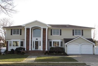 14 Williams Dr Massapequa Park NY 11762