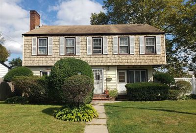 637 Meadowbrook Rd Uniondale NY 11553