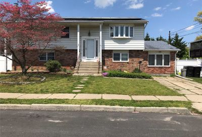 57 Westminster Ln West Islip NY 11795