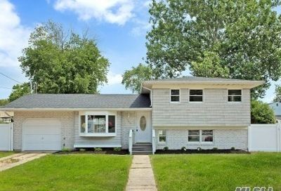 283 W 24th St Deer Park NY 11729