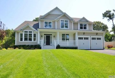 137 Little Neck Rd Centerport NY 11721