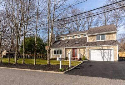 88 Forest Ave Lake Grove NY 11755