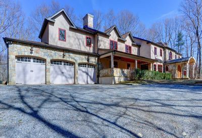 28 Laurel Cove Rd Oyster Bay NY 11771