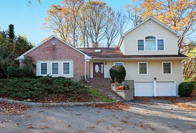 45 Pine Dr Cold Spring Hrbr NY 11724