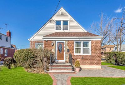 264-19 82nd Ave Floral Park NY 11004