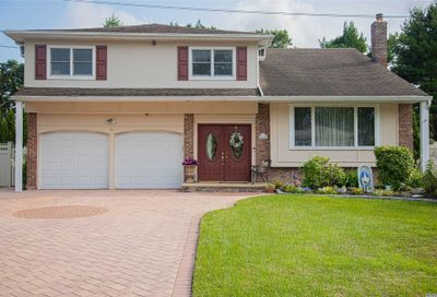14 Sioux Dr Commack NY 11725
