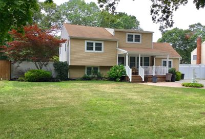 164 Timberpoint Rd East Islip NY 11730