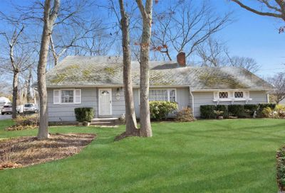 11 Redwood Dr Great River NY 11739
