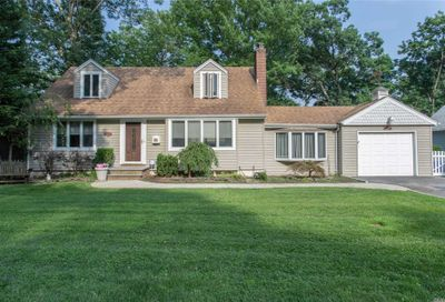 7 Monmouth Pl Melville NY 11747
