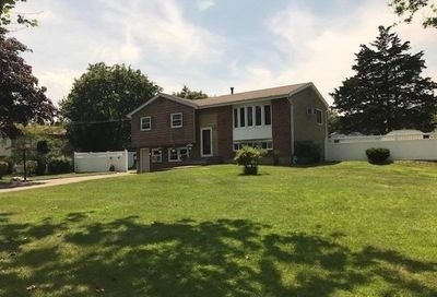 5 Richlee Dr E. Northport NY 11731