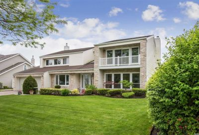 152 Pace Dr West Islip NY 11795