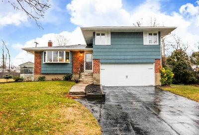 29 Windham Cres Kings Park NY 11754