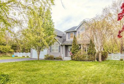 15 Whitetail Ct Center Moriches NY 11934