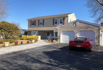 32 Curtis Ave Bellport NY 11713