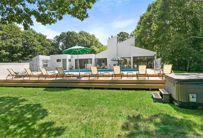 1 Old Field Ln Quogue NY 11959