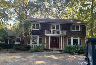 494 Berry Hill Rd Oyster Bay Cove NY 11791