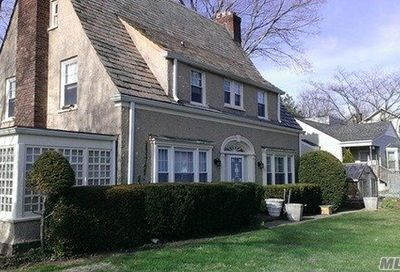180 Forest Ave Locust Valley NY 11560