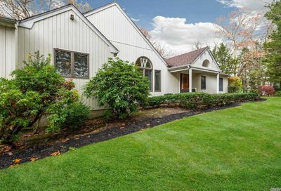 51 Timberpoint Dr Northport NY 11768