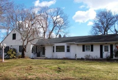 41 Dogwood Hollow Ln Miller Place NY 11764
