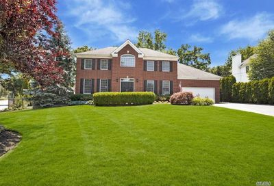 1 Country Lake Court Centerport NY 11721