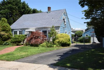 275 Center Lane Levittown NY 11756