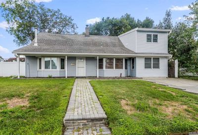 6 Cove Lane Levittown NY 11756