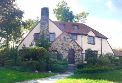 55 Exeter Street Forest Hills NY 11375
