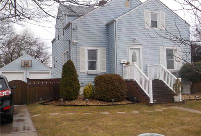 728 Mccall Avenue West Islip NY 11795