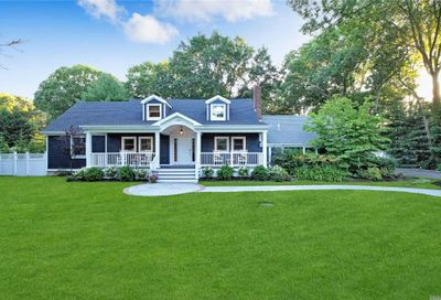 123 Woodhollow Road Great River NY 11739