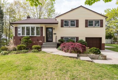 2586 Grayson Dr East Meadow NY 11554
