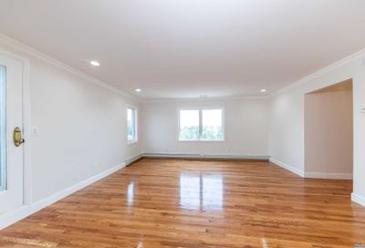 176 Carlou Court Oceanside NY 11572