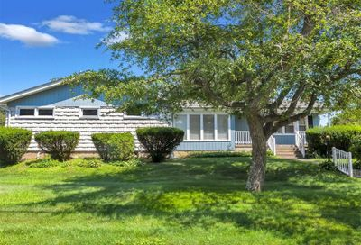 67 Bayview Dr S Drive Oakdale NY 11769