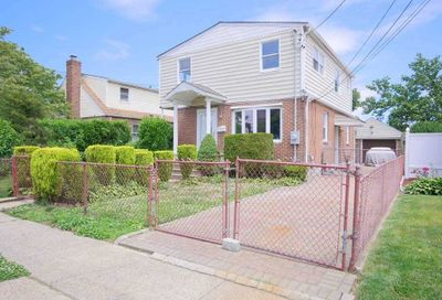 569 Mildred Pl Uniondale NY 11553