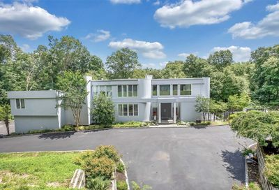 7 Saddle Court Oyster Bay Cove NY 11771