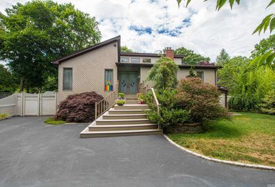 30 Naugatuck Lane East Islip NY 11730