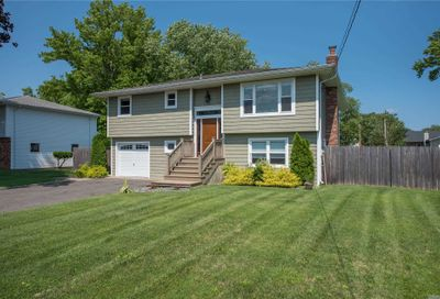 157 Connetquot Road Oakdale NY 11769