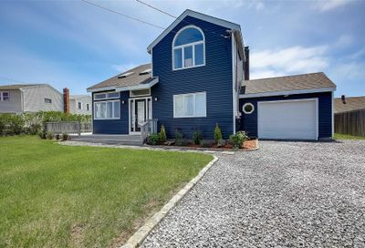6 Oceanview Place Center Moriches NY 11934