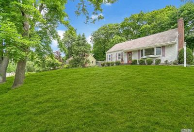 284 Vernon Valley Rd Northport NY 11768