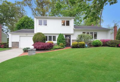 12 Adrienne Drive Old Bethpage NY 11804